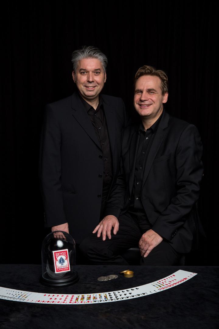 Weihnachten kommt - Zaubertheater - Black Table Magic Theater - Aachen